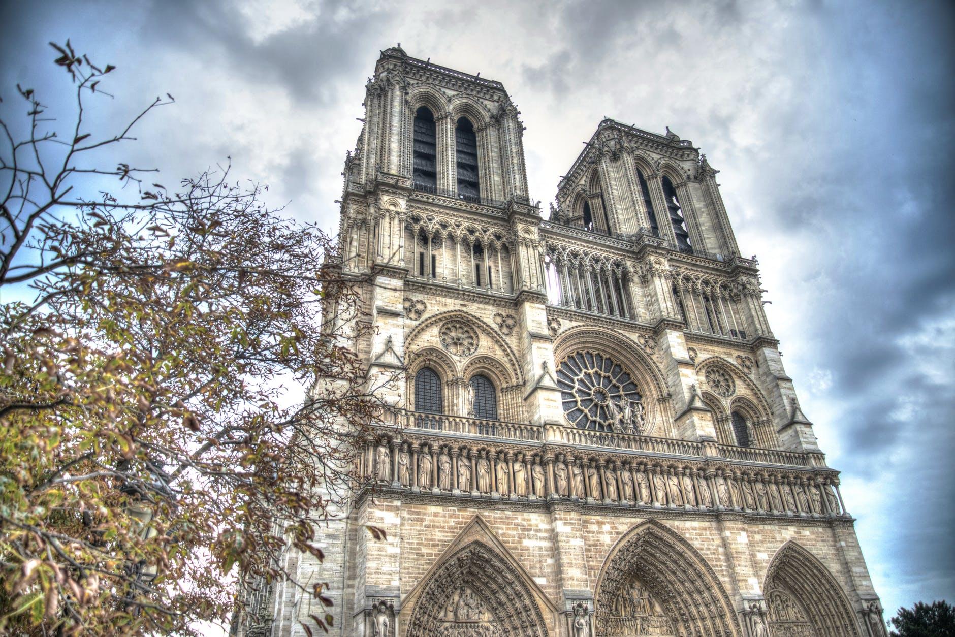 notre-dame-paris-france-615343.jpeg